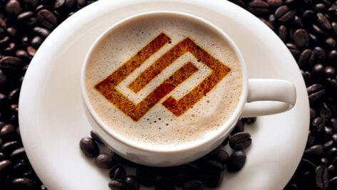موکاپ نمایش لوگو روی قهوه